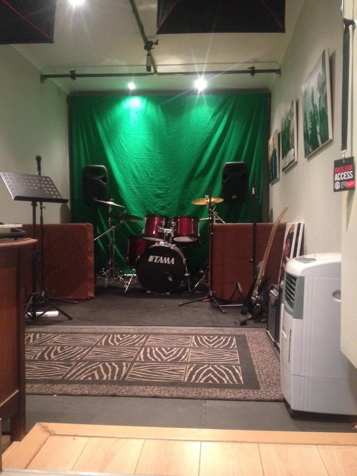 the decibels studio